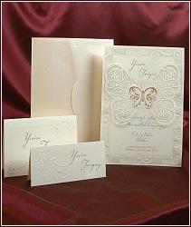 Svatební oznámení s velkým průhledným motýlem, vzor 3597