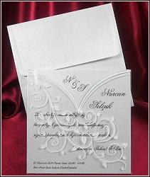 Čtvercové svatební oznámení s průhledným přebalem potištěným rostlinnými ornamenty, vzor 5359